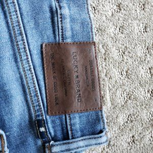 Lucky Brand Jeans 363 Straight!